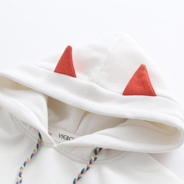 sudadera zorro blanca detalle