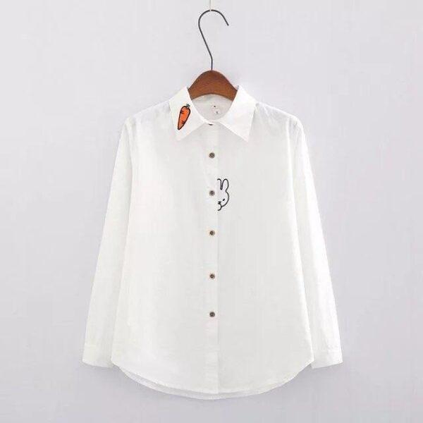 Camisa blanca de conejito y zanahoria 13