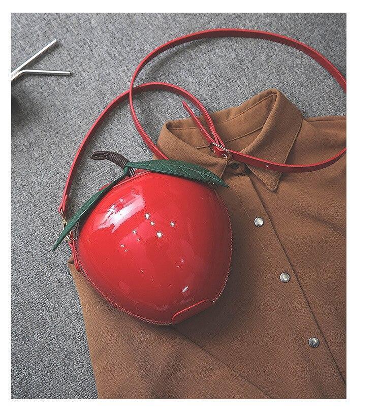 Bolso manzana roja Blancanieves 6