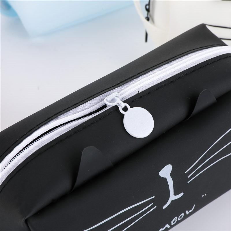 Super cute pen case.  Cat Lover item 10
