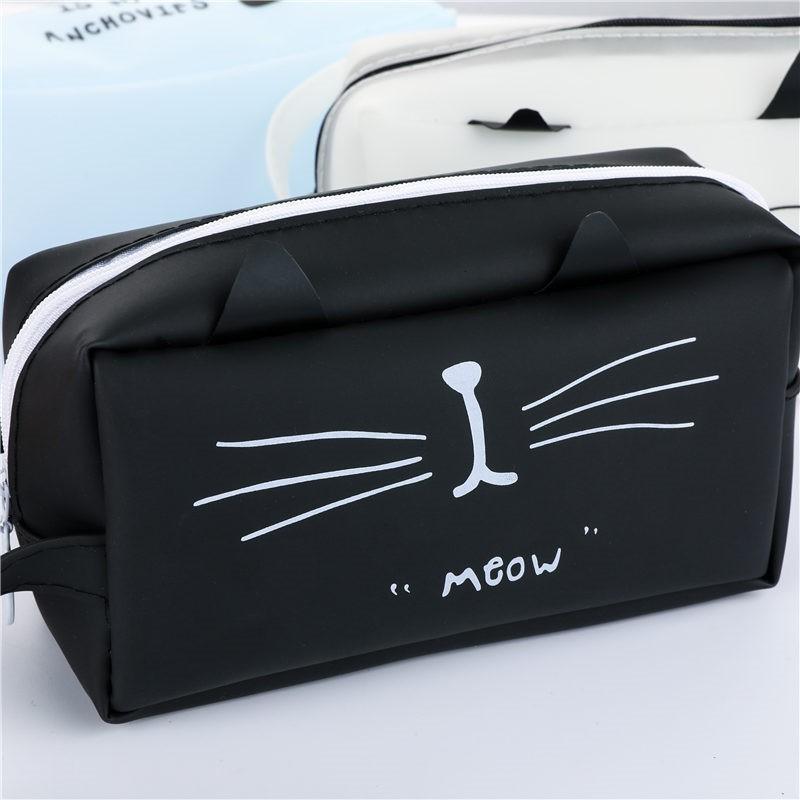 Super cute pen case.  Cat Lover item 9