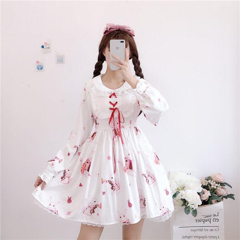 Vestido de lolita rojo con motivos de conejo 14