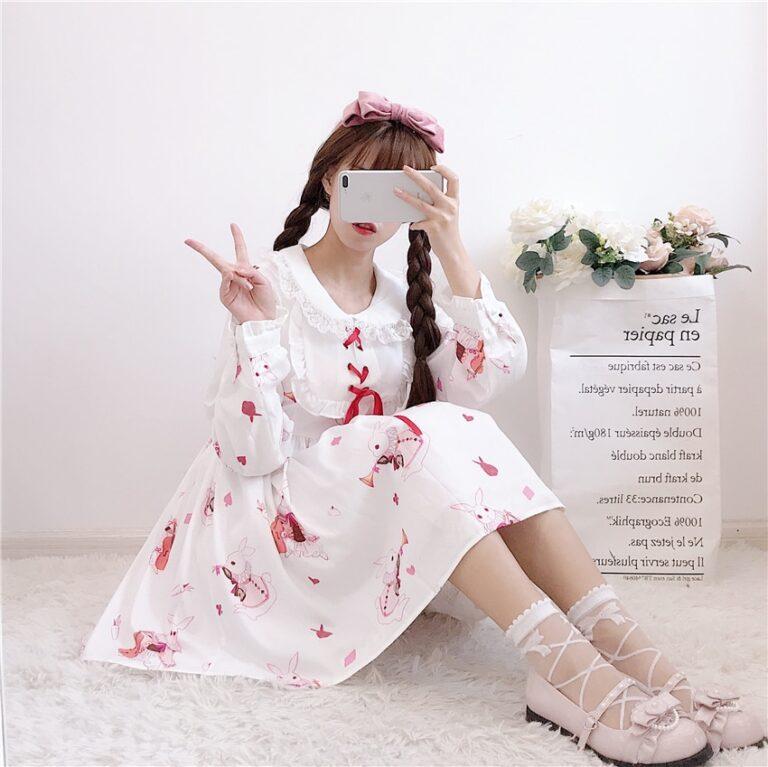 Vestido de lolita rojo con motivos de conejo 16
