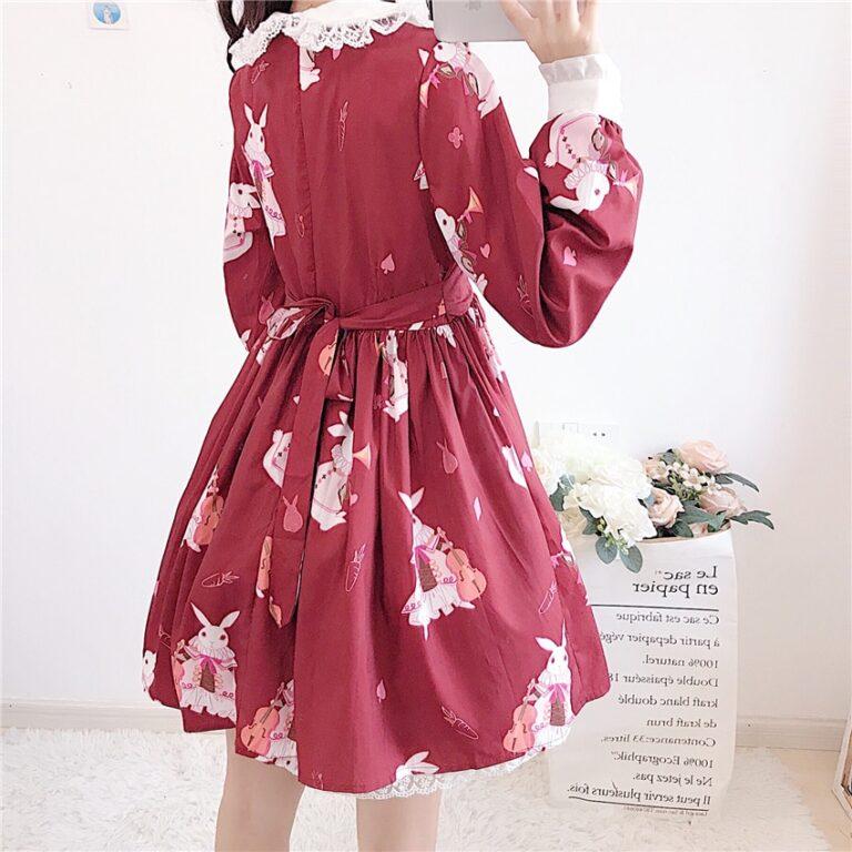 Vestido de lolita rojo con motivos de conejo 10