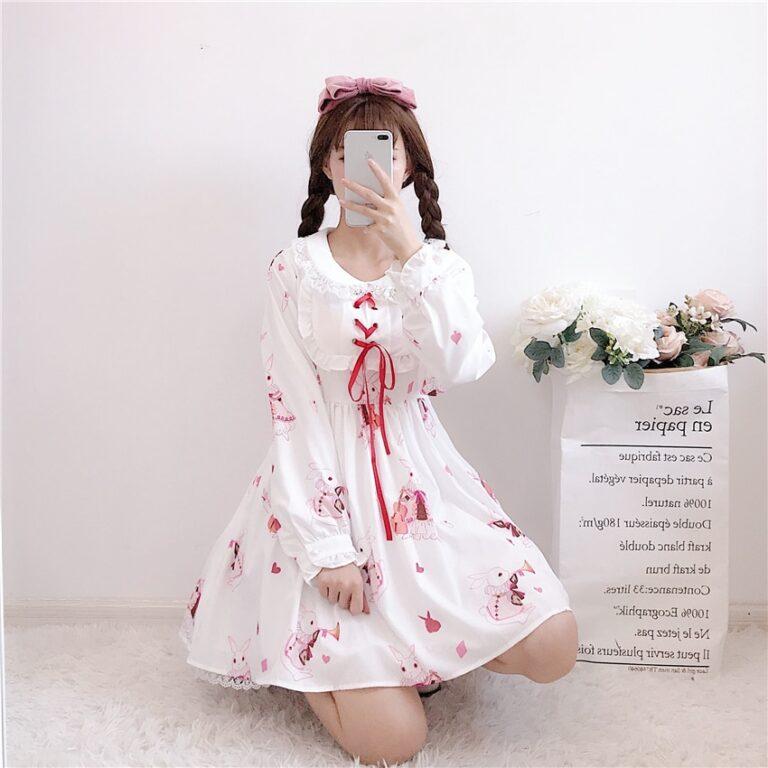 Vestido de lolita rojo con motivos de conejo 15