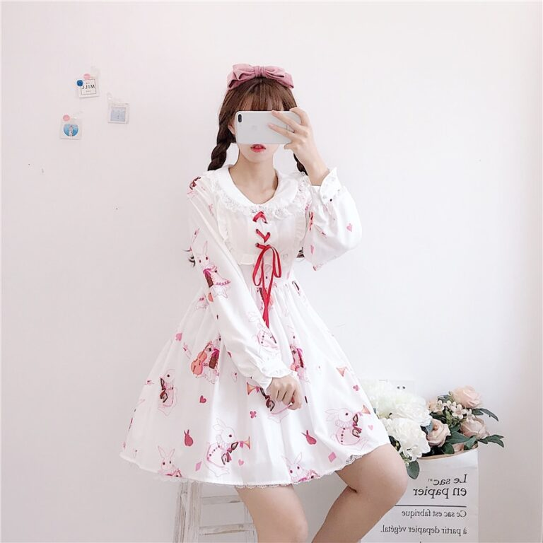 Vestido de lolita rojo con motivos de conejo 13