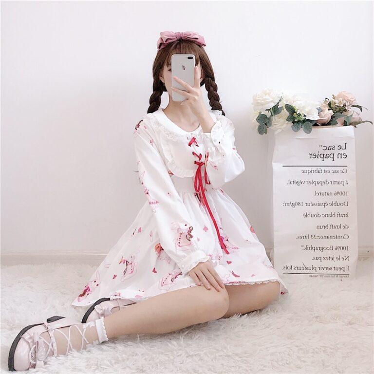 Vestido de lolita rojo con motivos de conejo 17
