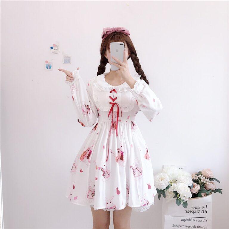 Vestido de lolita rojo con motivos de conejo 12