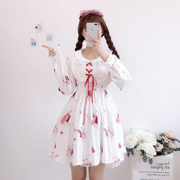 Vestido de lolita rojo con motivos de conejo 4
